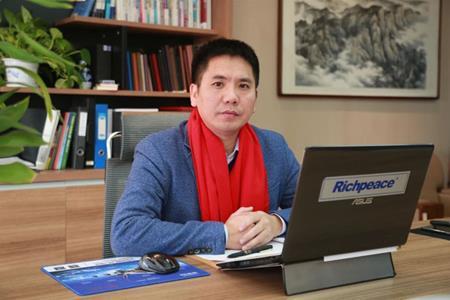 上工富怡智能制造(天津)有限公司总工程师高接枝获2020年全国劳动模范荣誉称号